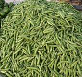 green peas in a market